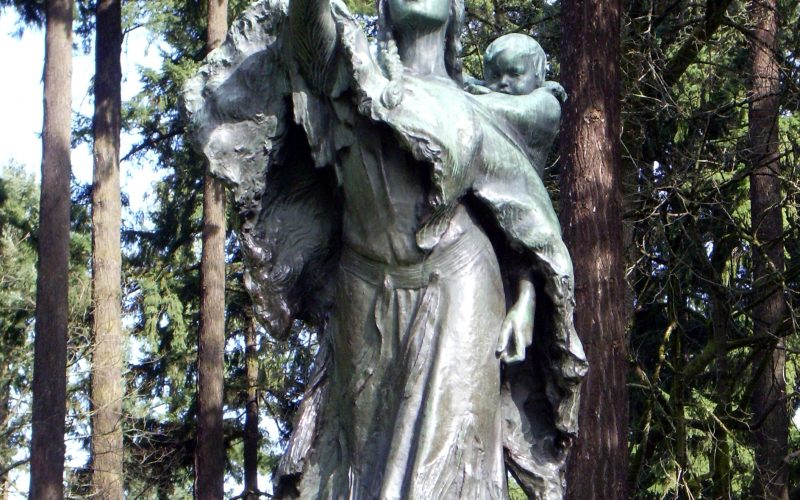 Statue of Sacajawea in Portland, OR